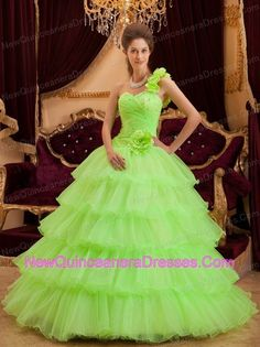 http://www.newquinceaneradresses.com/color/baby pink-quinceanera-   dresses   2013 wonderful quinceanera dresses