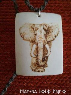 Colgante Pirograbado elefante.