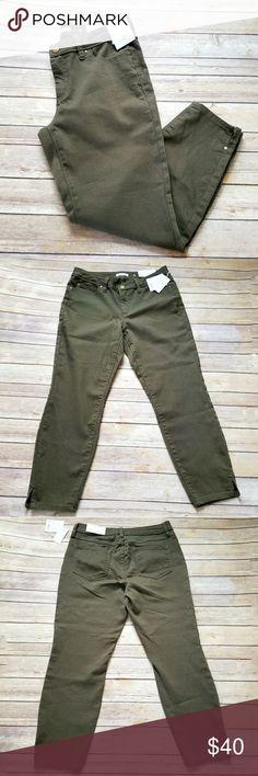NWT Lauren Conrad green midrise skinny jeans Size 8. Lauren Conrad dark green midrise skinny jeans. New with tags! LC Lauren Conrad Jeans Skinny