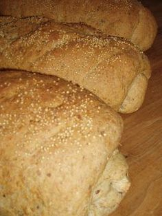 Zelf brood bakken zonder broodbakmachine! Cooking Bread, Bread Baking, Bread Recipes, Baking Recipes, Thermomix Bread, Dutch Oven Bread, Good Food, Yummy Food, Bread Cake