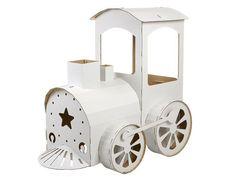 In der märchenhaften Lokomotive aus Pappe, kannst du wohnen und verreisen. Ihre robusten  Räder, sorgen für unvergessliche Reisen in ferne Länder. Hast du Lust, dich als Lokomotivführer zu beweisen?