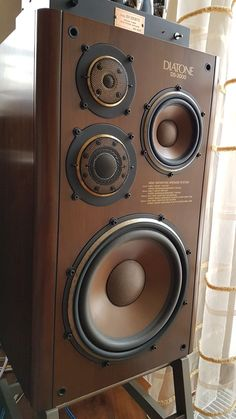 High End Audio Equipment For Sale Best Hifi Speakers, Home Audio Speakers, Audiophile Speakers, Monitor Speakers, Audio Room, Hifi Audio, Stereo Speakers, Bookshelf Speakers, Equipment For Sale