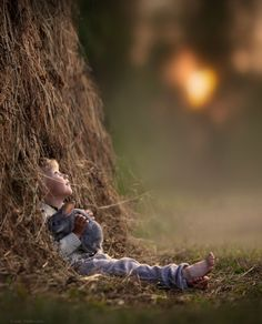 Russian mother, Elena Shumilova, takes amazing photographs of her children on the farm.