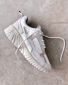 d99924e6230 1856 mejores imágenes de Casual Shoes en 2019