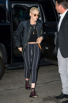 Kristen Stewart Arrives Back to Her Hotel After