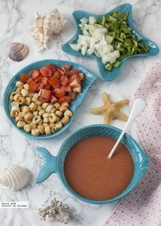 Receta de gazpacho andaluz con Thermomix Cooking On The Grill, Cooking Time, Cooking Recipes, Healthy Recipes, Italian Soup, Italian Dishes, A Food, Food And Drink, Pasta Types