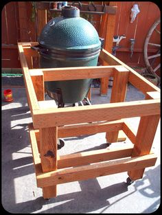 Speaking of woodworking and good eats, my Big Green Egg is one of the best grill/smokers available. Many BBQ competition winners have w. Big Green Egg Outdoor Kitchen, Big Green Egg Table, Outdoor Kitchen Patio, Bbq Kitchen, Green Eggs, Outdoor Kitchens, Green Egg Grill, Big Green Egg Smoker, Kamado Grill