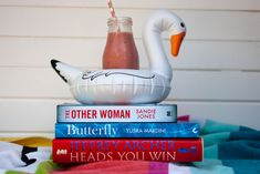 The books to read this summer The Other Woman by Sandie Jones Butterfy by Yusra Mardini Heads you win by Jeffrey Archer Jeffrey Archer, Summer Reading Lists, Book Corners, Other Woman, Thriller, Love Story, The Book, Books To Read, Book Nooks