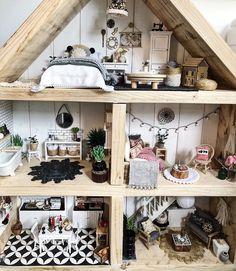 Ikea Dollhouse, Girls Dollhouse, Modern Dollhouse, Dollhouse Furniture, Victorian Dollhouse, Doll House Plans, My Doll House, Barbie House, Doll Houses