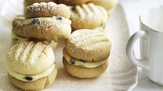 Australian Food Favourites - Neil Perry's melting moments with passionfruit butter.- uh, I'm sorry what are these they look delicious! Passionfruit Butter, Passionfruit Recipes, Wine Recipes, Baking Recipes, Cookie Recipes, Baking Ideas, Kitchen Recipes, Dessert Recipes, Melting Moments