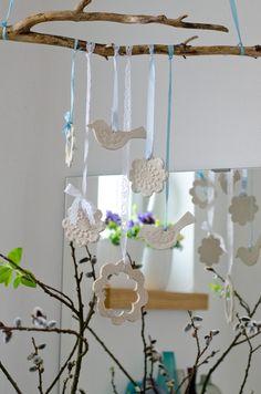 DIY Deko für den Frühling im WC selber basteln mit Vögeln aus Ton