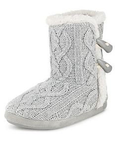 d1002eb8085eda Cable Knit Toggle Slipper Boots Knitted Slippers