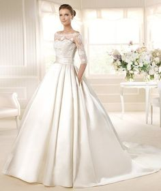 MEGA » Wedding Dresses » 2013 Costura Collection » La Sposa (Shown with side Pockets at skirt)