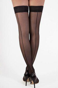 Bas Couture - Ces bas élégants vous confèrent un pouvoir de séduction bluffant ! Telle une pin-up, la couture allonge vos jambes du talon à la cuisse pour mieux les mettre en valeur.