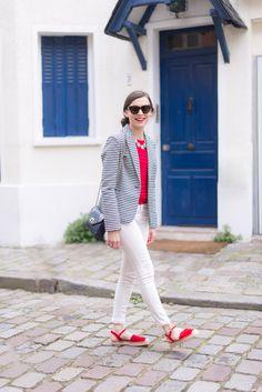 red top + blue striped blazer + white skinny jeans