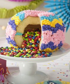 Piñata Cake Pan // a special insert allows you to bake this pinata cake with a sweet surprise inside! #product_design #kitchen #baking