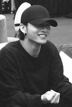 BTS black and white bts b&w b&w edit b&w aesthetic bts icons black and white icons Foto Jungkook, Foto Bts, Jungkook Oppa, Bts Bangtan Boy, Namjoon, Jungkook Funny, Jung Kook, Jikook, Jin