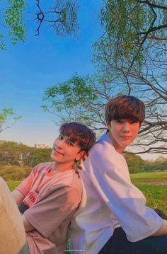 Ideal Boyfriend, Boyfriend Photos, Parejas Goals Tumblr, Dramas, Gay Aesthetic, Pose Reference Photo, Bright Pictures, Cute Gay Couples, Thai Drama