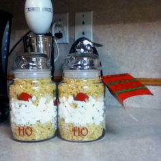 For a creative holiday gift try the do it yourself cookie jar awesome do it yourself christmas gifts these are rice krispies in a jar you solutioingenieria Choice Image