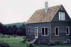 Shelter kit loft house, article here- http://www.countryliving.com/homes/house-tours/simple-decorating-0210