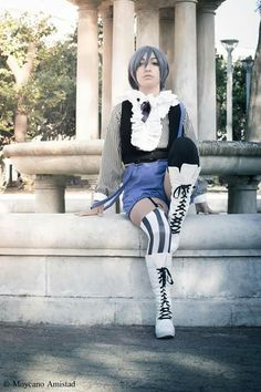 """""""You shall never betray me. You shall never leave my side""""  Character: Ciel Phamtomhive  Cosplayer: me"""