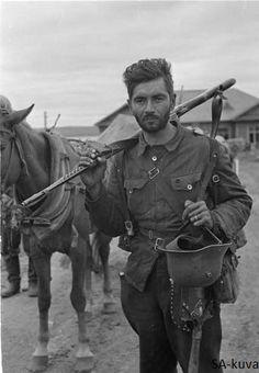 Bearded and tired Finnish private. Rukajärvi 1941.09.12