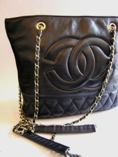eef7dc29c2f5 94 Best 80s/90s Chanel reference images | Fashion handbags, Trendy ...
