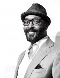 """""""I had a straight up hillbilly accent… I was terrified to speak to anybody."""" join jesse l. martin of the flash and aisha as they race through a delicious bottle of rye whiskey, and discuss all things theater, broadway, new … Continued Jesse L Martin, The Threepenny Opera, Aisha Tyler, The Merchant Of Venice, Queen Latifah, Winter's Tale, Great Films, Beautiful Mind, The Flash"""
