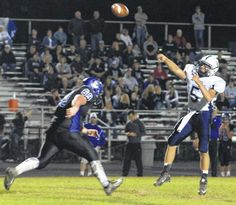 Cats hang on for first win of season 29-25 - Wilmington News ...