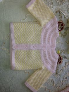Hand-knitting wool very soft sweater for babies