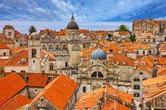 Nie brakuje zorganizowanych wyjazdów do Chorwacji. Jeśli jednak odpoczynek nad Adriatykiem zamierzasz zaplanować samodzielnie, weź pod uwagę tych kilka wskazówek.