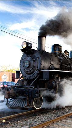 Steam Engine Roaring Down the Track Train Museum, Rail Transport, Background Hd Wallpaper, Train Engines, Old Trains, Model Train Layouts, Steam Engine, Steam Locomotive, Train Station