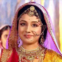 jodha akbar serial actress paridhi sharma - Pesquisa Google Indian Tv Actress, Royal Look, Head Jewelry, Vintage Bollywood, Cute Faces, Bridal Makeup, Indian Wear, Simply Beautiful, Indian Beauty
