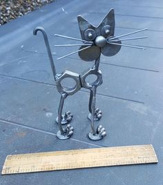 Brainy tackled welding metal art projects Clicking Here Welding Art Projects, Metal Art Projects, Metal Crafts, Diy Projects, Project Ideas, Welding Crafts, Blacksmith Projects, Metal Sculpture Artists, Steel Sculpture