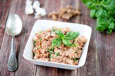 Viikon ruokalistan tarkoitus on auttaa Sinua arjen kiireessä. Muistuttaa tutuista tai vähemmän tunnetuista herkuista. Välillä Hellapoliisin ruokalistalta löytyy myös kokeilunarvoisia uusia reseptejä mitkä eivät ole ehkä Sinulle vielä tuttuja. Niin myös tällä viikolla. Mikä on sinun uusin suosikkiruokasi?  Maukasta viikkoa! My Cookbook, Fusilli, Fried Rice, Pasta Salad, Risotto, Potato Salad, Fries, Potatoes, Baking