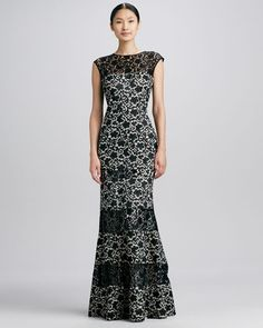 Kay Unger New York - Floral Lace-Panel Flared Gown