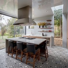 Bruma House by Fernanda Canales + Claudia Rodríguez Kitchen Interior, Kitchen Decor, Kitchen Design, Kitchen Ideas, Loft Design, House Design, Modern Design, Modern Architects, Wood Interiors