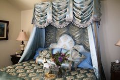 Bed | Windsor Castle room at the Amid Summer's Inn Bed and Breakfast located in Cedar City, UT. #bedandbreakfast #travel