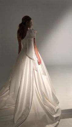 Indian Gowns Dresses, Satin Dresses, Bridal Dresses, Evening Dresses, Western Wedding Dresses, Wedding Dress Styles, Simple Dresses, Beautiful Dresses, Ropa Shabby Chic