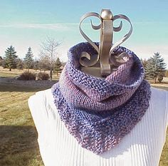 Kriskrafter: Free Knitting Pattern! - Bridger Cowl   Worsted weight, sz 10 circular