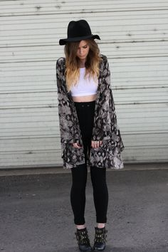 high waisted pants, top crop, ankle boots and kimono ♡