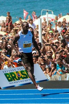 Usain Bolt Usain Bolt, Living Legends, Track And Field, Cross Country, Weight Lifting, Athletes, Gym, Sports, Hs Sports