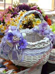 великодній кошик декор - Пошук Google Basket Decoration, Table Decorations, Home Crafts, Diy And Crafts, Holiday Wreaths, Holiday Decor, Wedding Gift Wrapping, Easter Table Settings, Easter Party