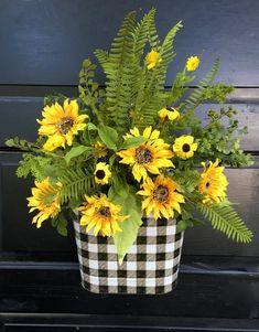 Sunflower Centerpieces, Fall Flower Arrangements, Arte Floral, Sunflower Home Decor, Easy Fall Wreaths, Sola Wood Flowers, Summer Wreath, Fall Crafts, Spring Flowers