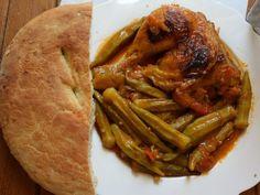 Μπάμιες με κοτόπουλο στο φούρνο και ψωμάκι !!! Bon Appetit, Greek Recipes, Chicken Recipes, Beef, Food, Food And Drinks, Meat, Essen, Greek Food Recipes