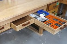 Wooden drawer slides Diy Storage Drawers, Lp Storage, Woodworking Bench, Woodworking Projects, Furniture Projects, Diy Furniture, Wood Drawer Slides, Wood Tool Box, Pallet Tv Stands