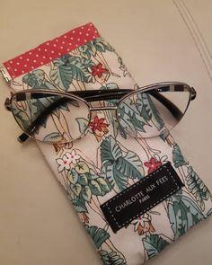 Galou sur Instagram: Des jolies vahinés qui vont partir pour la Bretagne ! Ce tissu appelle l'été, j'adore ! Patron Mirettes @patrons_sacotin Tissu…