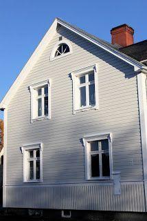 Stark i allmänhet: Trevlig tid framöver New England Hus, Home Focus, Scandinavian Architecture, Window Detail, Nordic Home, Wooden House, Home Reno, Classic House, Historic Homes