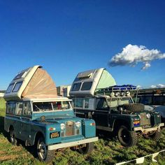 Dos Dormobiles! muy muy bueno!!#explore #camping #adventure #offroad #landrover  #landroverseries #picoftheday #photooftheday #style #vintage #vintagestyle #vintagerover #british #uk #landroverdefender #cool #blue #scenery #outdoors #rangerover #instagram  #instagood #insta #instamood #camp  #overland #instadaily #like #follow #followme from @americanadventurist by land_rover_series_pics Dos Dormobiles! muy muy bueno!!#explore #camping #adventure #offroad #landrover  #landroverseries…