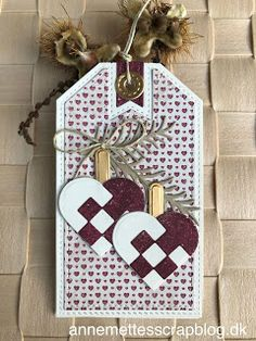 Gave-tags Julen 2019 Maja Design Porch Ornaments, Easy Ornaments, Christmas Ornament Crafts, Christmas Decorations, Christmas Hearts, Christmas Tag, Recycled Wine Corks, Wooden Flowers, Merry And Bright